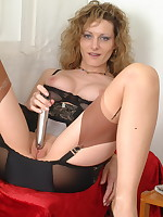 Naughty pantymom Kerry loves to play all alone