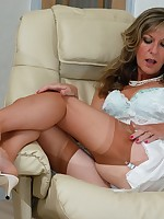 hot milf in vintage nylons and slip